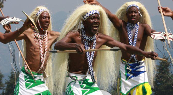 dansende mensen beleefvakantie afrika